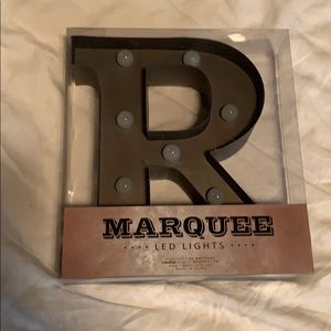 Marquee led light. Letter R NWT